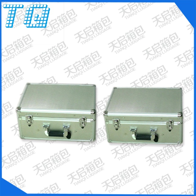 银色优质手提医用铝箱