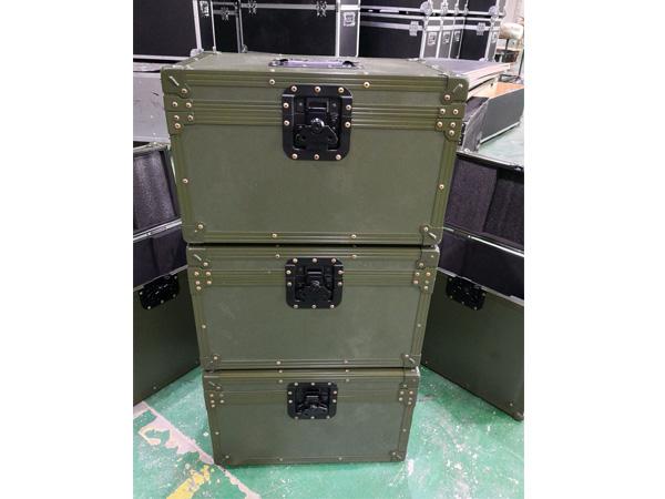 军用工具箱